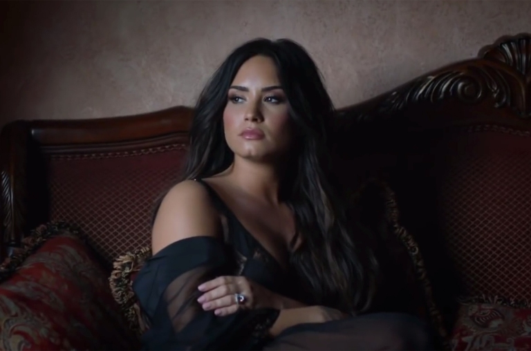 demi-lovato-tell-me-you-love-me-billboard-1548